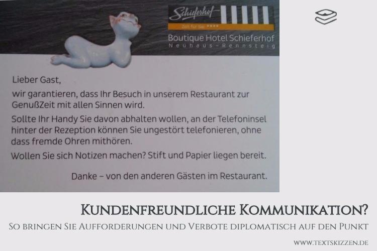 Foto Tischkarte Hotel Schieferhof Neuhaus: Kundenfreundlicher Hinweis auf unerwünschte Handytelefonate im Restaurant. Kundenfreundliche Kommunikation mittels Angeboten und Service.