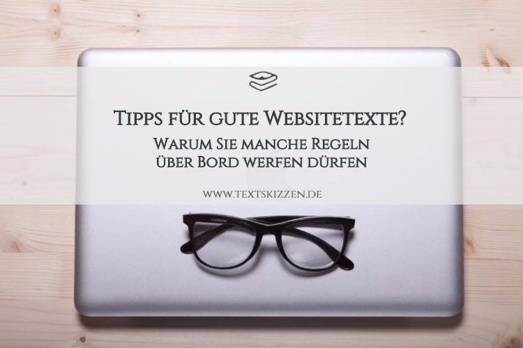 Tipps für gute Websitetexte; Motiv Schreibtisch mit Macbook und Brille