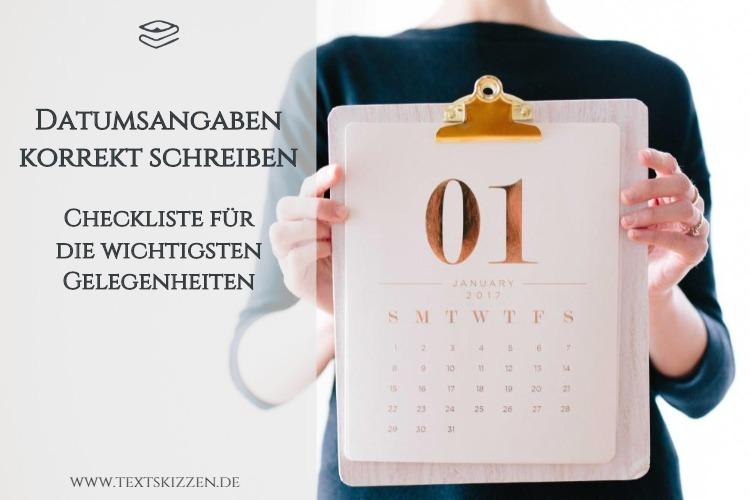 Datumsangaben korrekt schreiben: Frau mit Klemmbrett und der Monatsübersicht eines Kalenders