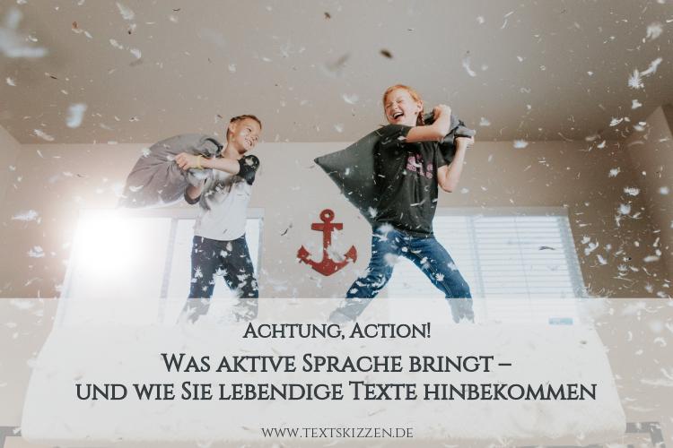 Aktive Sprache: Lebendige Texte schreiben. Motiv: Zwei Jungen bei einer Kissenschlacht
