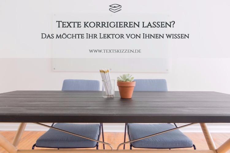 Texte korrigieren lassen, einen Lektor buchen: Motiv Tisch mit Kaktus, Bleistiftbox und zwei Stühlen